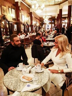 Ο Νίκος Κοκλώνης υποδέχεται τη Μαρίνα Πατούλη στο Μπουένος Άιρες